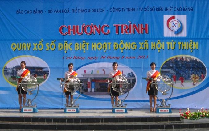 Công ty TNHH Một thành viên Xổ số kiến thiết Cao Bằng phối hợp với Báo Cao Bằng, Sở Văn hóa - Thể thao và Du lịch tổ chức Chương trình quay Xổ số đặc biệt hoạt động xã hội từ thiện.
